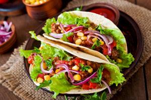 Tacos con carne y verdura